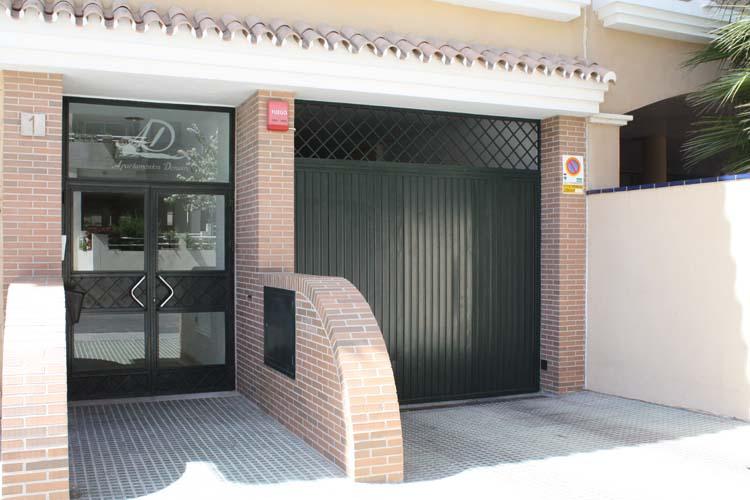 portal de entrada y salida parking